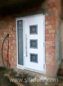 Двері Hörmann Thermo65 в мотиві 810 та в білому кольорі (Ral 9016)