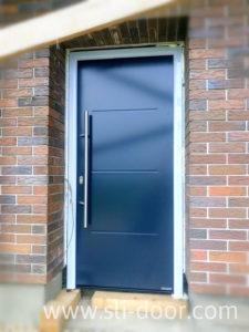 Двері Hörmann Thermo65 в мотиві 515 та кольорі Антрацит (Ral 7016)